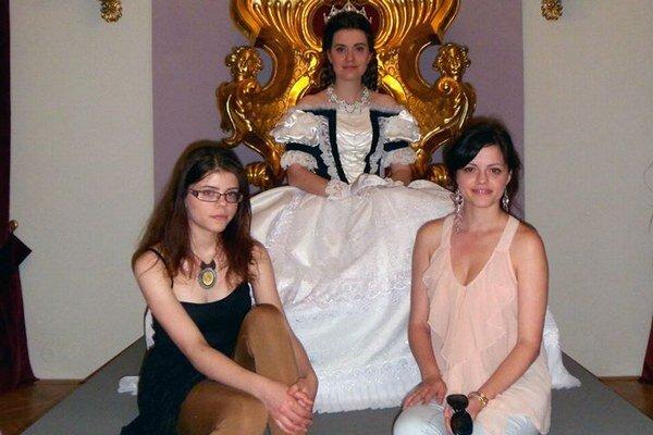 Šperky zRožňavy nosila dvojníčka Sissi. Študentky gymnázia sjej veličenstvom vkaštieli.