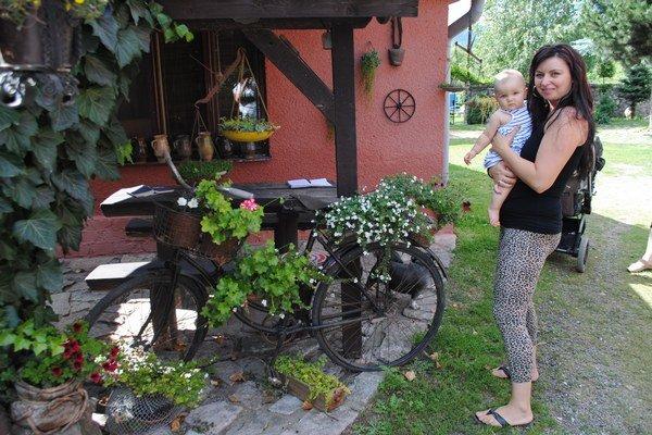 Storočný bicykel. Dnes je z neho stojan na kvety.