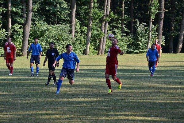 Smolná premiéra. Prvý domáci šiestoligový zápas prehrali Betliarčania s Malou Idou o gól.