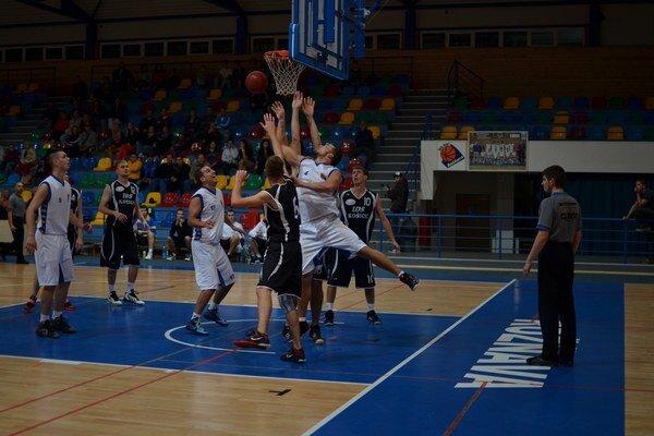 Tímový duch. Rožňavskí basketbalisti našli cestu k víťazstvám.