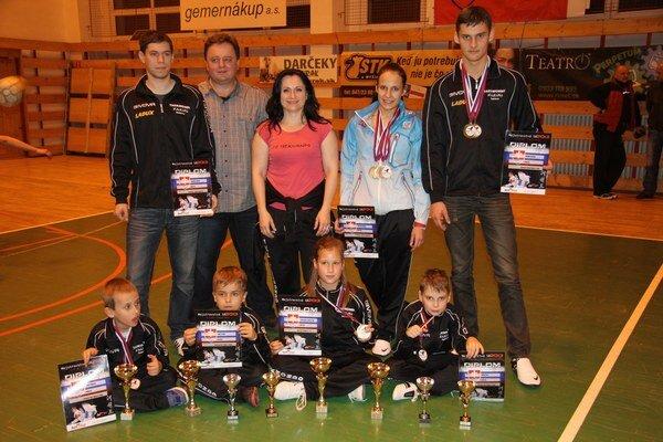 Úspešná výprava. Výprava Hakimi teamu Rožňava žala na slovenskom šampionáte úspechy.