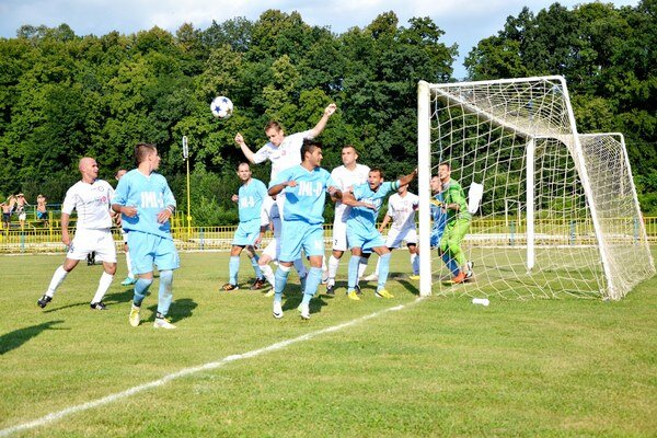 Rožňavskí futbalisti spočiatku získali viac bodov von ako doma.