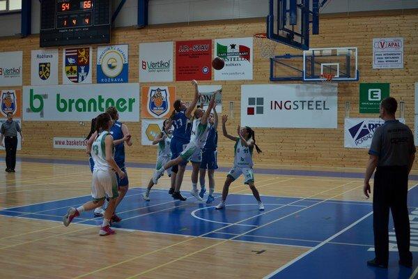 Na piatom mieste. Rožňavským basketbalistkám patrí v tabuľke I. ligy Východ piate miesto.