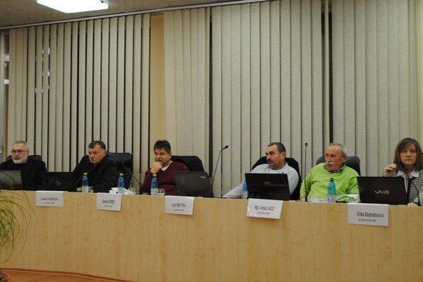 Mestskí poslanci podporili miestne poľovné združenie.