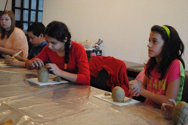 Fabergého vajcia. Šikovné ruky žiakov vytvárali zaujímavé dielka.