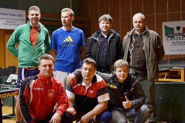 V hornej časti. Stolní tenisti Lokomotívy Dedinky si v 5. lige držia štvrté miesto.