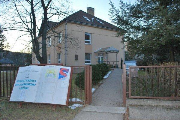 Gemerská knižnica Pavla Dobšinského. V týchto priestoroch si do konca februára môžete pozrieť výstavu k výročiu Ľudovíta Štúra.