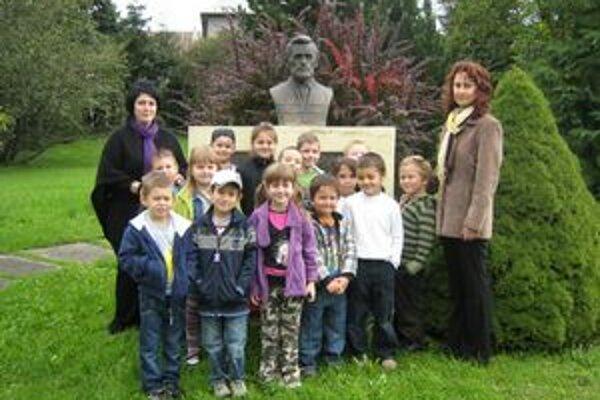 Park národovcov. Nachádzajú sa  v ňom busty významných profesorov.