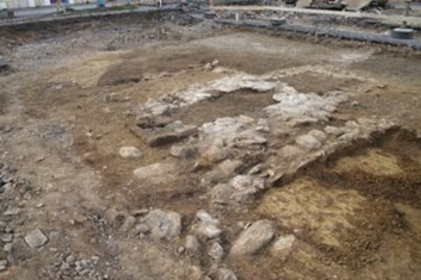 Kašňa na vodu. Našli sa základy z prelomu 18. – 19. storočia.