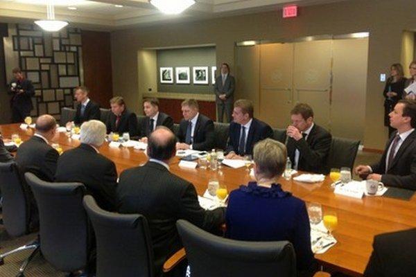 Predseda vlády Robert Fico (Smer) sa stretol s predstaviteľmi U. S. Steel v centrále firmy v americkom Pittsburghu.