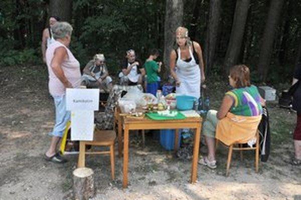 Súťažné tímySúťaže vo varení guláša sa zúčastnil aj medzinárodný tím Kamikatze.