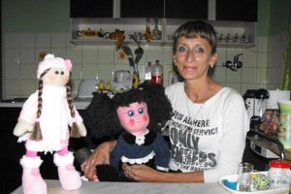 Handrové bábiky. Mária Beneová ich vyrába s láskou.