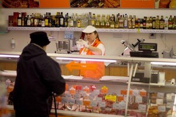 Slovenské potraviny chce Jahnátek podporovať cez odbytový fond. Prispievať doň majú firmy, tie to kritizujú.