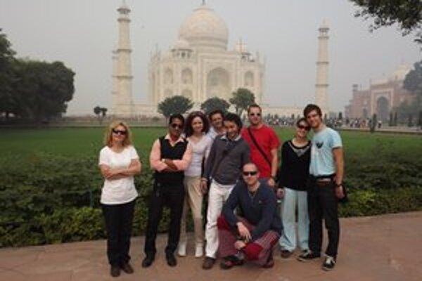 Taj Mahal. Domov si odniesli aj množstvo nezabudnuteľných zážitkov.