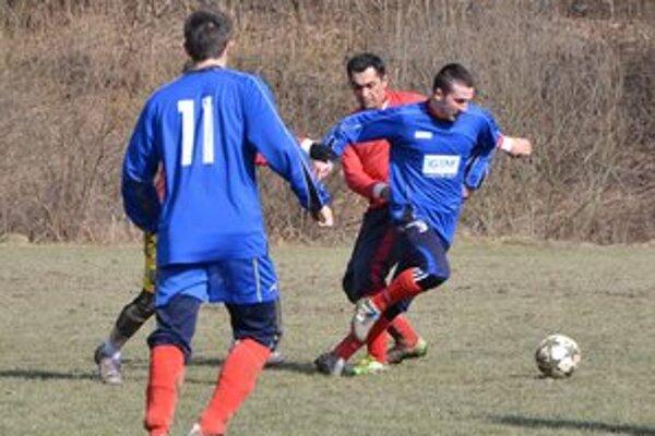 Hrá ďalej. Hoci Zoltán Breuer pôvodne ohlásil, že si od futbalu chce oddýchnuť, teraz je znova v rožňavskom áčku.