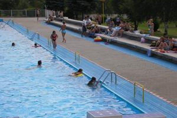 Kúpalisko. Od 1. júna ho prevezmú Technické služby mesta Rožňava.