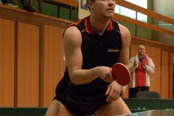 Jednotka. Peter Kočkin je v slovenskom rebríčku mužov na 36.mieste. Najvyššie z hráčov Geológa.