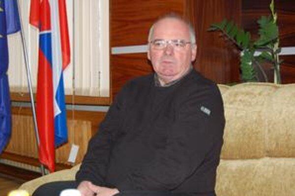 Juraj Dubovský. Navrhol zobrať úver do výšky 700-tisíc eur, poslanci mu to neodobrili.