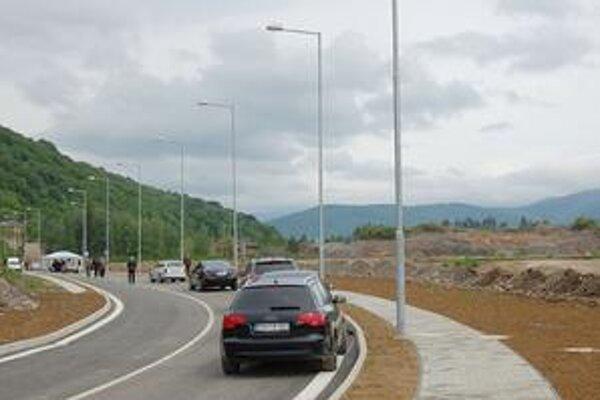 Park. Jeho odovzdaniu bráni napríklad konečné pripojenie na plyn, elektrinu i vodu, ako i nevysporiadaný pozemok.