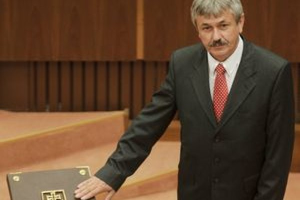 Ján Babič kandiduje na rožňavského primátora.