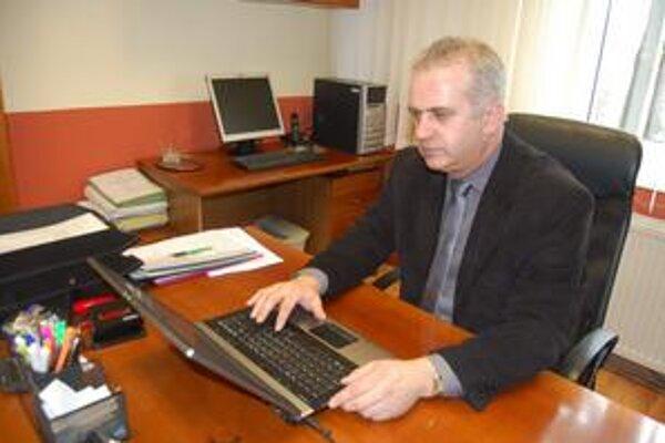 Riaditeľ pobočky. Ján Dušák zdôrazňuje potrebu spolupráce a komunikácie medzi klientom a poisťovňou.