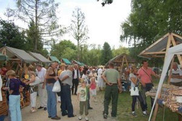Šiesty ročník Gemerského remeselníckeho jarmoku prilákal množstvo ľudí.