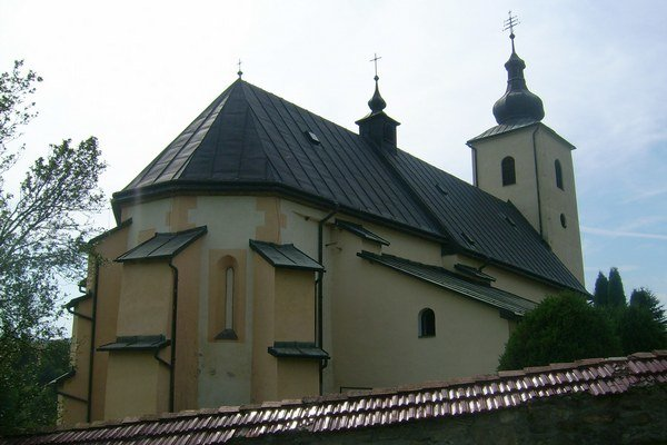 Kostol sv. Bartolomeja v Richvalde. Pohľad z východu.