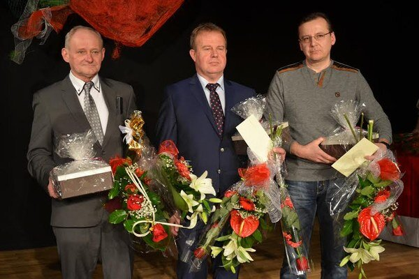 Svidnícky Územný spolok SČK udelil v tomto roku 105 plakiet. Najvyššie ocenenými boli darcovia diamantovou Janského plaketou.