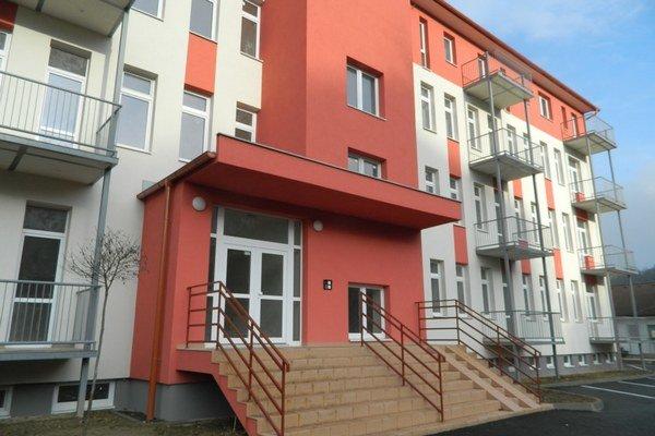 Byty v zrekonštruovanej budove poslúžia 23 rodinám z Giraltoviec, ale aj okolitých miest a obcí.