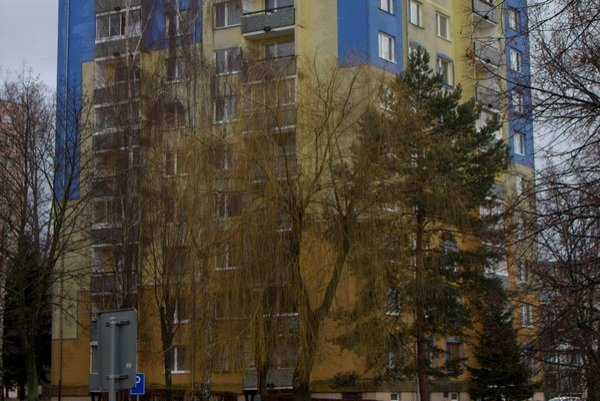 Bardejovská Káštvorka. Bytovke na Ťačevskej ulici 23 znovu hrozí vypnutie.