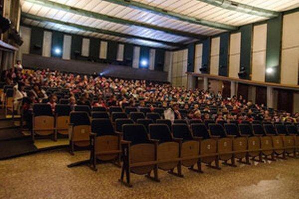 Žiaci sledovali animované filmy v prievidzskom kine Baník.