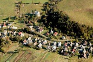 Obec Becherov. Vojenský cintorín je súčasťou obecného.