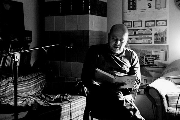 Vladimír Václavek v Bardejove. Čítal aj zo svojej novej knihy Neviditelný svět.