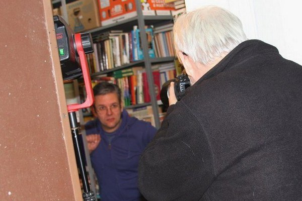 Fotenie Bielej vrany. Fotograf Ctibor Bachratý a Marek Božík.