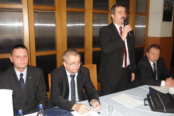 Novozvolený predseda. Ján Labanc ďakuje za vyslovenú dôveru.