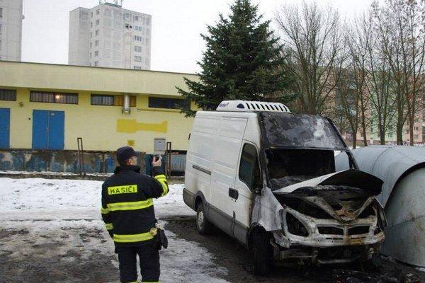 Zhorené chladiarenské Iveco Daily s poľskou poznávacou značkou.