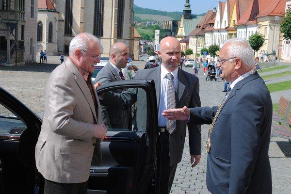 Primátor víta prezidenta. Čestný občan Bardejova Ivan Gašparovič na svojej poslednej návšteve mesta pred dvoma týždňami.