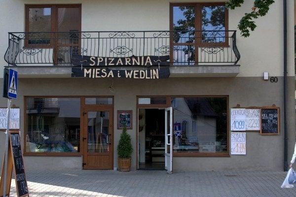 Mäsiareň v Krynici. Výrobky sú lacnejšie.