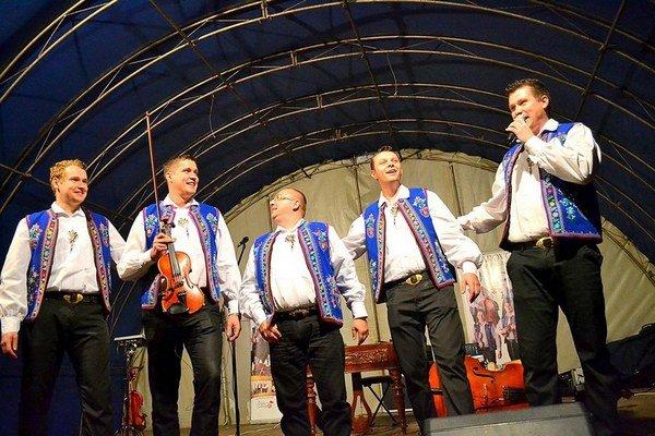 Kollárovci zaspievajú v Bardejove.