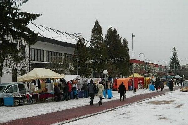Predvianočné trhy vo Svidníku.