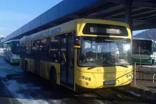 Bardejovské autobusy Tedom Kronos. Propagujú mesto zapísané do zoznamu UNESCO.