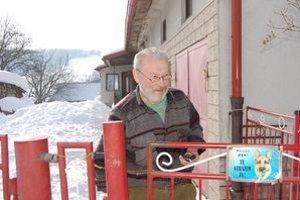 Poslanec Michal Vasilega tvrdí, že obec má finančné problémy od roku 2007.