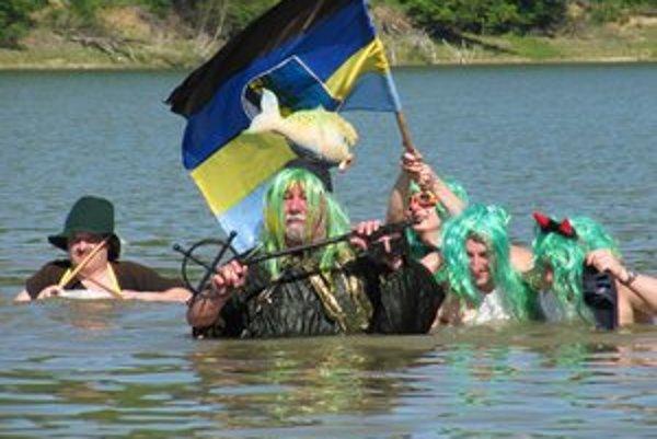 Valkovskí vodníci a víly oficiálne otvorili hladinu Domaše.