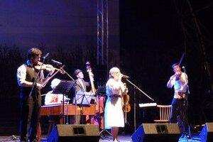 Rusín Čendeš Orchestra. Na svidníckych slávnostiach zahviezdili rusínske variácie z Telgártu.
