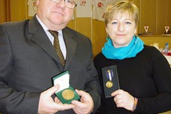 Dlhoroční darcovia. Bardejovčan Ján Huďa a Alena Lovingerová-Džundová z Malcova.