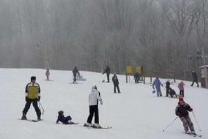 Medvedie. V lyžiarskom stredisku na prírodnom snehu tu najradšej lyžujú rodiny s deťmi.