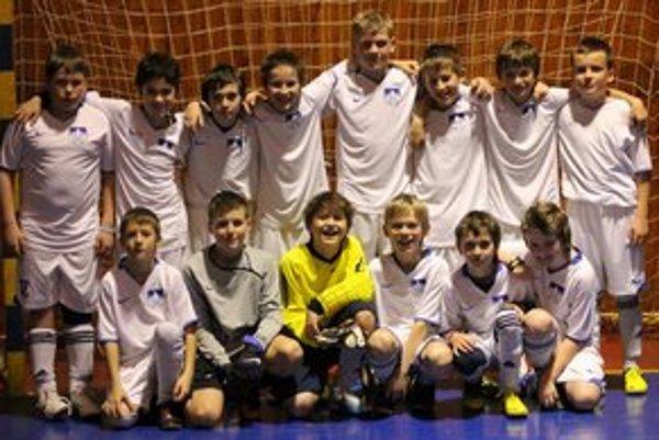 Úspešný bol kolektív mladých futbalistov Popradu, ktorý dominoval na podujatí v Bardejove.