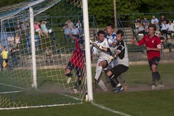 Domáci nedali gól takmer z bránkovej čiary.