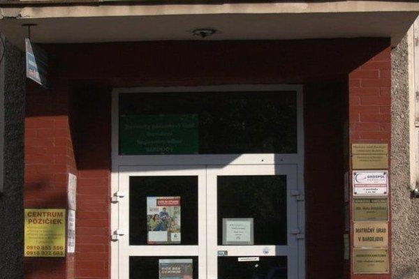 Oddelenie školstva MsÚ v Bardejove. Z dvoch veľkých projektov financovaných z eurofondov sa realizoval iba jeden.