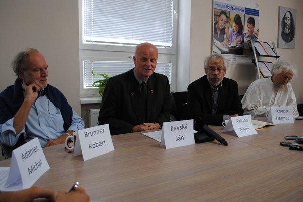Misia expertov z UNESCO. Pridal sa k nim aj zástupca Rady Európy.